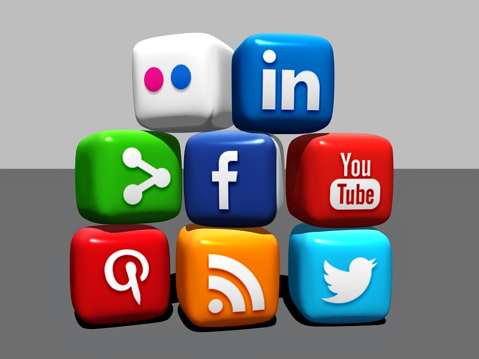 social_media_for_manufacturing_firms.jpg